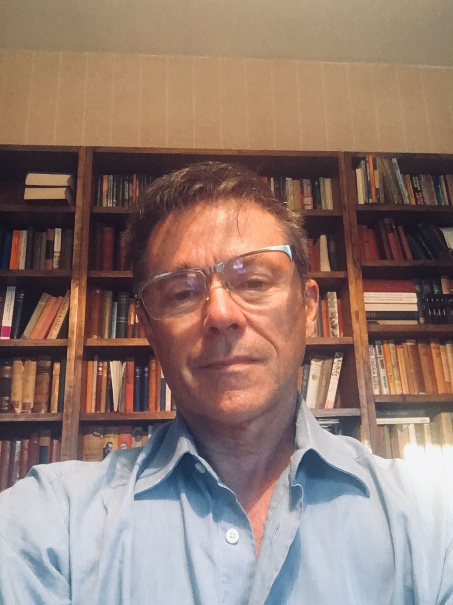 Interview: Grahame Elliott - creative writing in Paris and the Loire Valley