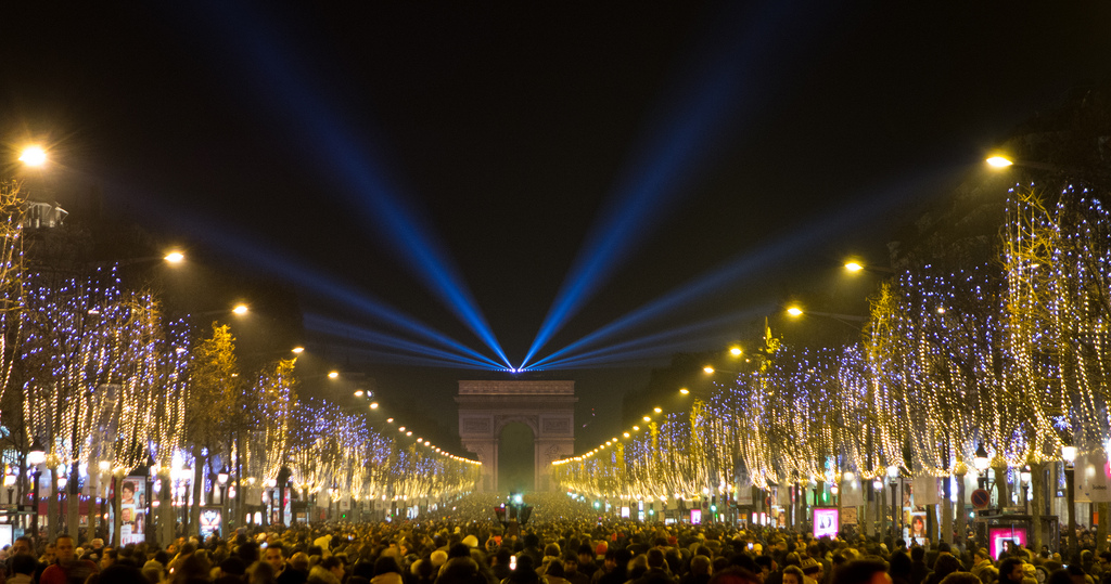 MyFrenchLife™ – MyFrenchLife.org – Paris in December – what's on - Paris New Years Eve - Champs-Elysees