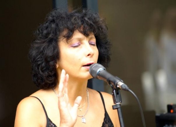 Judy MacMahon - A French chanteuse in Australia: Sylvie Boisel - Part 2 - WIN a copy of her album - Ma Vie Francaise - My French Life - www.MyfrenchLife.org