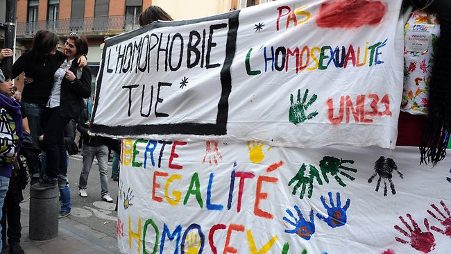 932478-france-gay-marriage-protest