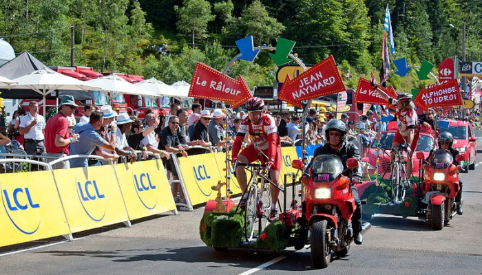 800px-Tour_de_France_2012_-Caravane_cyclistes