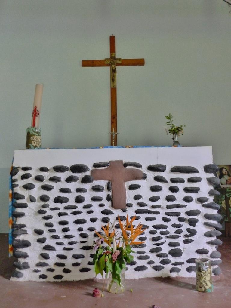 Rachelle Buroyne 29.5.13 - church stand