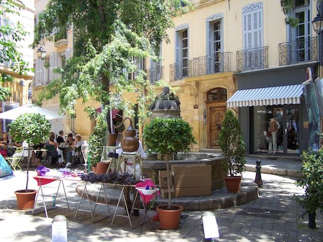 Nathalie 23.7.13 Brunnen_in_Aix-en-Provence