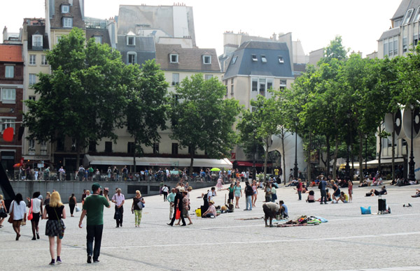 Outside the Pompidou - James Rogers - MyFrenchLife.org