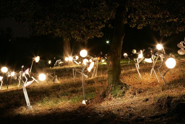 """Paris, Parc des Buttes-Chaumont : """" Nuit Blanche """" Rune Guneriussen 2009"""