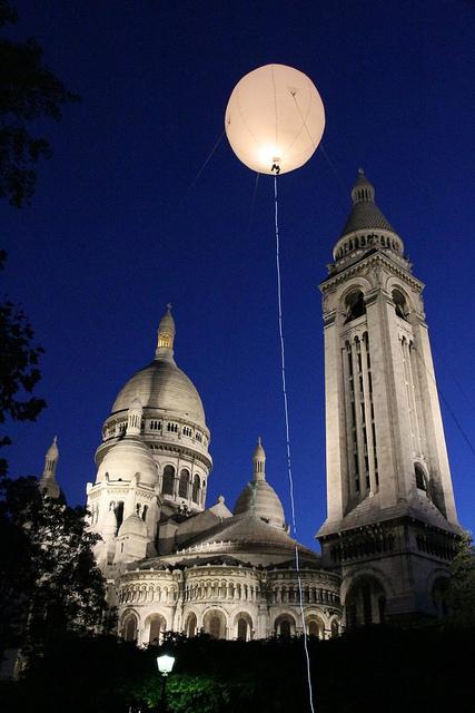 Nuit Blanche: sphère