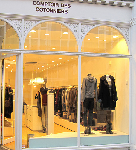 Where a French woman shops - Comptoir des Cotonniers - My French Life™
