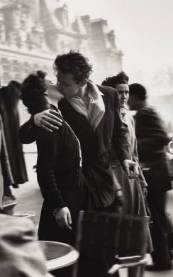 Robert Doisneau - Le baiser de l'hôtel de ville - French & Americans: from different planets? - My French Life