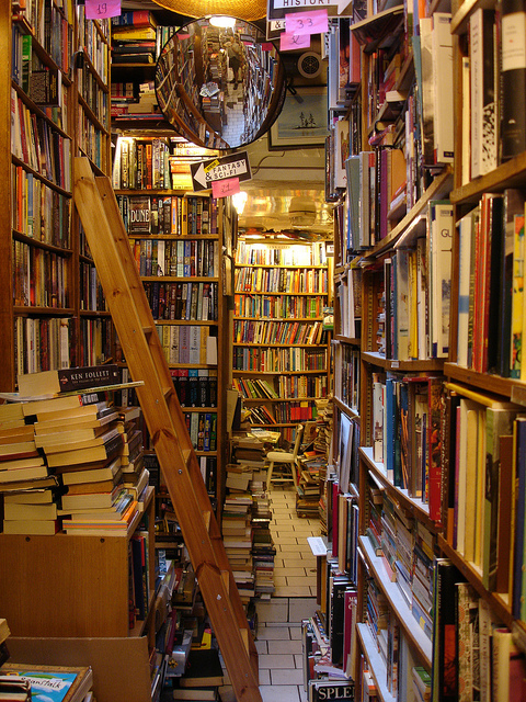 MyFrenchLife™ - Parisian bookshops - Paris bookstore - Abbey