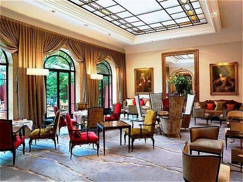 MyFrenchLife™ - Paris hot chocolate - Hotel Lancaster