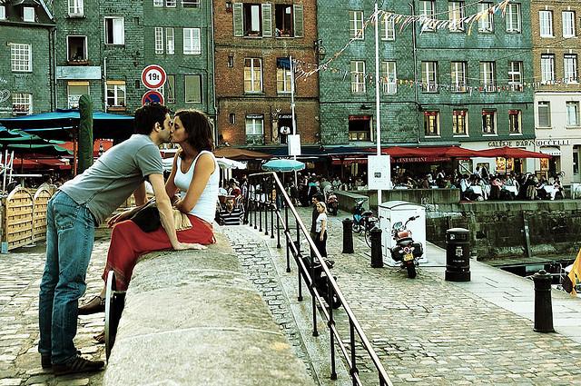 MyFrenchLife™ - clichés, romantic Paris - parisian romance
