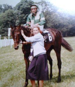 MyFrenchLife™ - MyFrenchLife.org - Inspiring Women - MidetPlus - Catherine Onnée - Female Jockeys - Horse