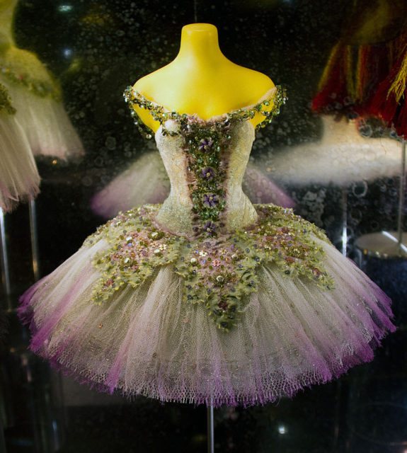 MyFrenchLife™ – MyFrenchLife.org – French National Museum for Stage Costumes and Set Design - Moulins -Ballet dress