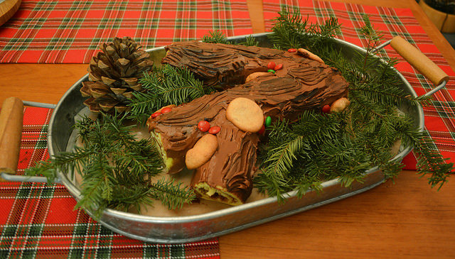 MyFrenchLife™ – MyFrenchLife.org – French Christmas traditions - Perfect French Christmas - Yule Log