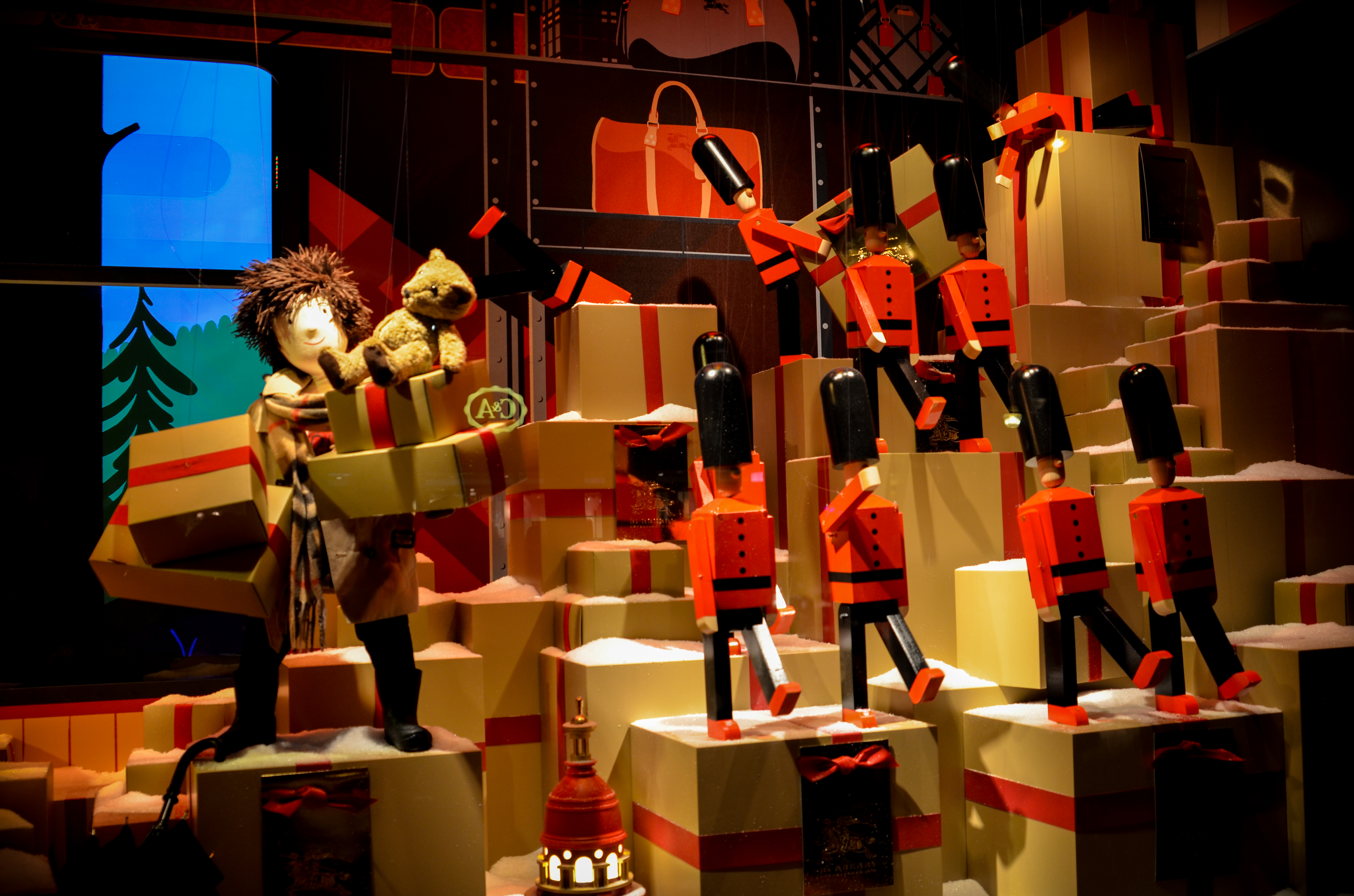 MyFrenchLife™ – MyFrenchLife.org – Paris in December – what's on - Paris Christmas - Galeries Lafayette - windows