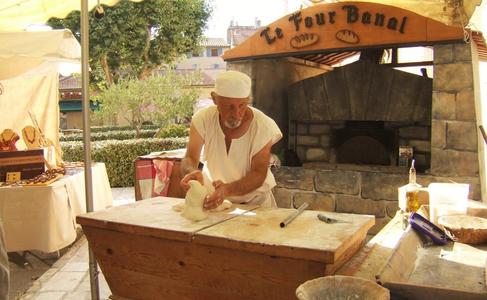 MyFrenchLife™ - MyFrenchLife.org - Jan Leishman - Var medieval festival - bakery