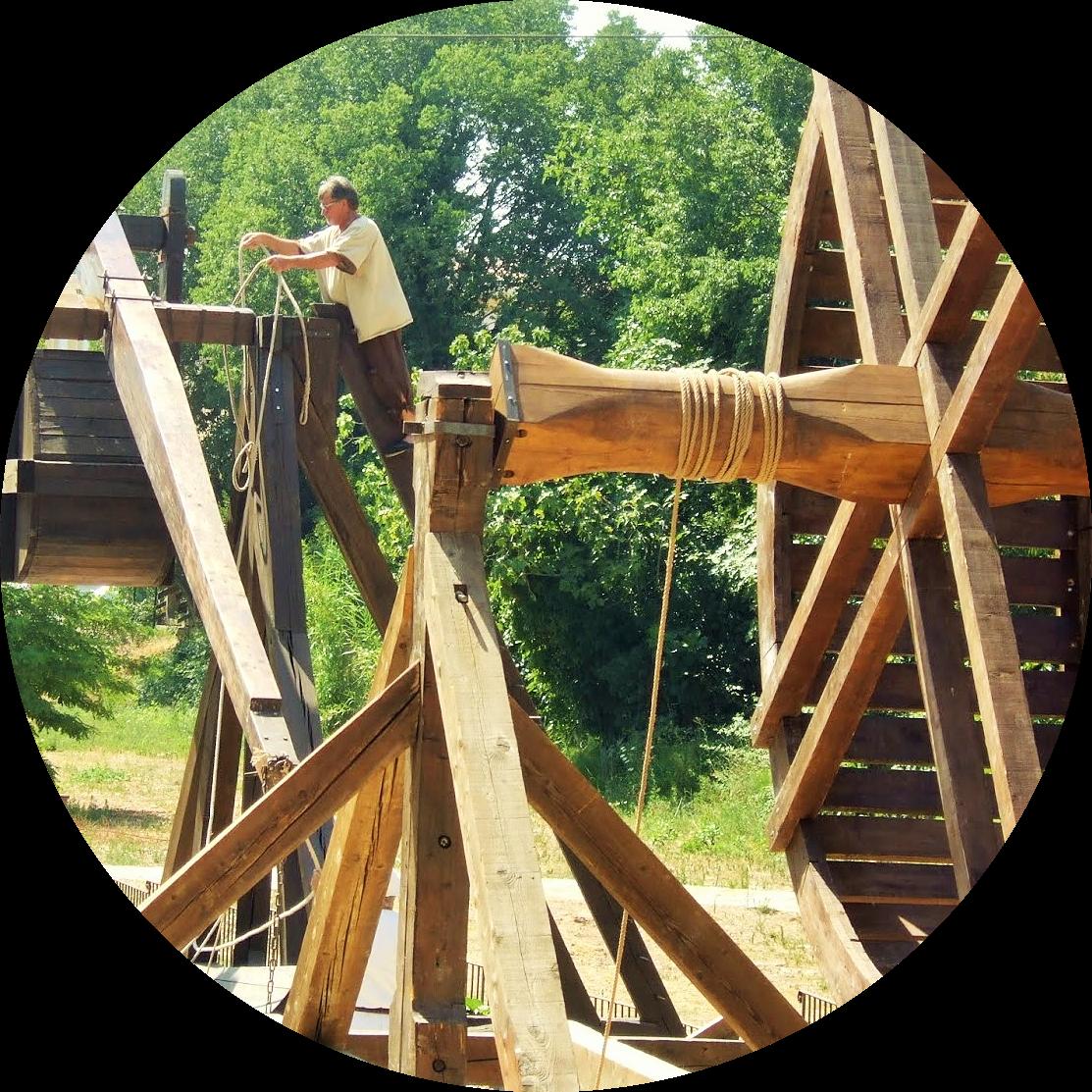 MyFrenchLife™ - Jan-Leishman- Var - medieval-festival - catapult - MyFrenchLife.org_-1