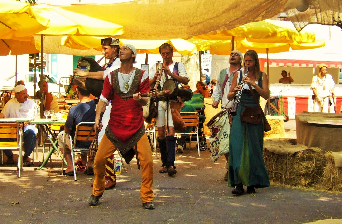 MyFrenchLife™ - MyFrenchLife.org - Jan Leishman - Var medieval festival - jugglers