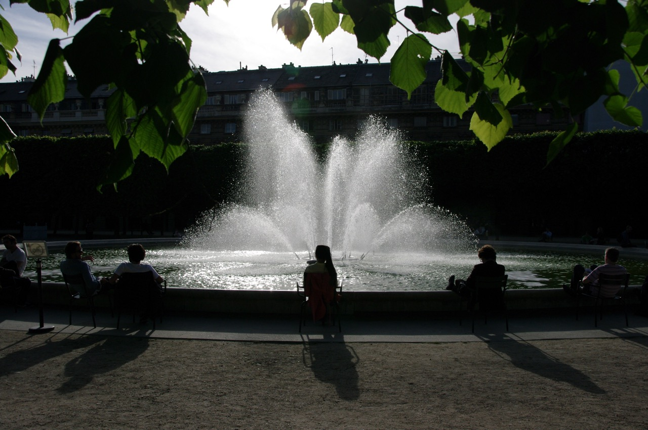 Janelle Gould - Exploring the Palais-Royal Article - Fountain - My French Life™