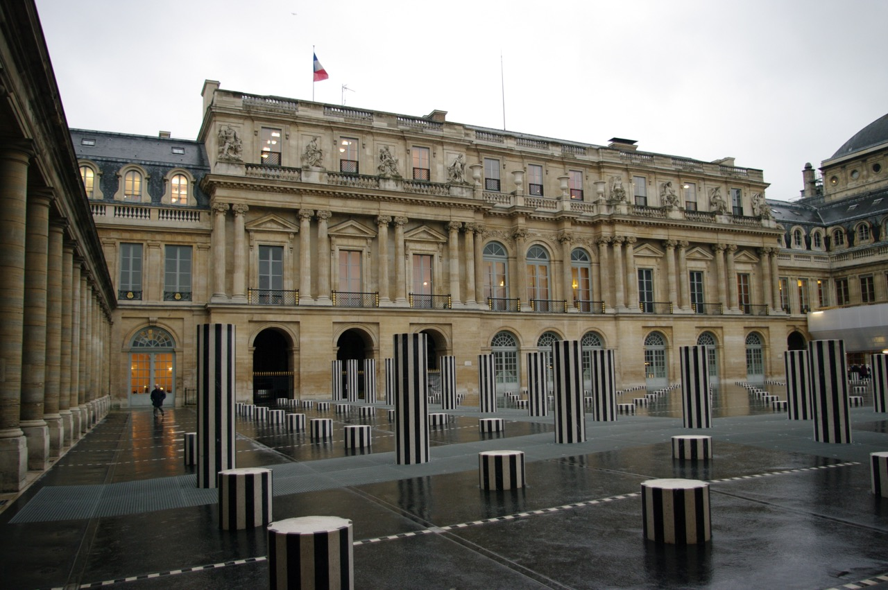 Janelle Gould - Exploring the Palais-Royal Article - Palais-Royal - My French Life™