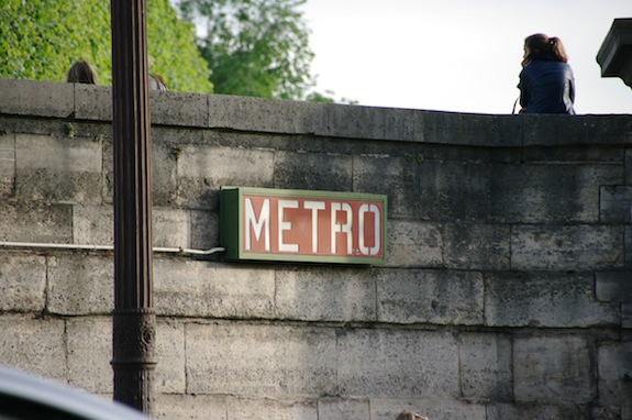 MyfrenchLife™ - French Rail system - Janelle_Gould_-_Navigating_French_Rail_-_Metro_Sign_-_MyFrenchLife™
