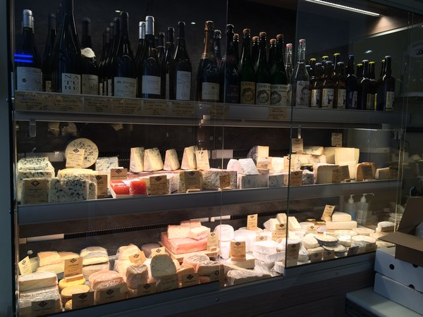 MyFrenchLife™–-Paris Mosaic-–-Fromagerie Goncourt - Cheese & wine