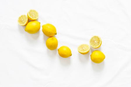 MyFrenchLife™-Hard water hair damage-lemon