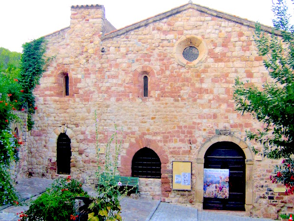 MyFrenchLife™ - MyFrenchLife.org - Exploring Provence - medieval village - Church of St Pierre du Parage