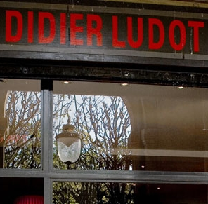 MyFrenchLife™-Vintage-Boutiques-Didier-Ludot