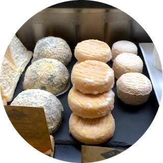 MyFrenchLife™ - Artisans in Paris - Paris Mosaic - Fromagerie Goncourt