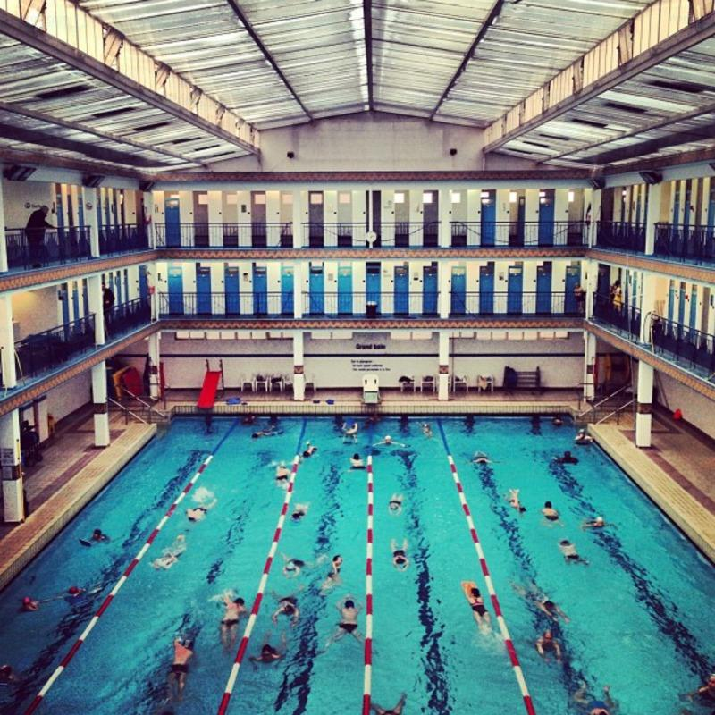 Piscine Pontoise - Swimming in Paris
