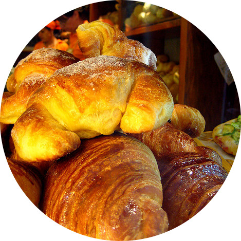 MyFrenchLife™ - cultural symbols- croissants