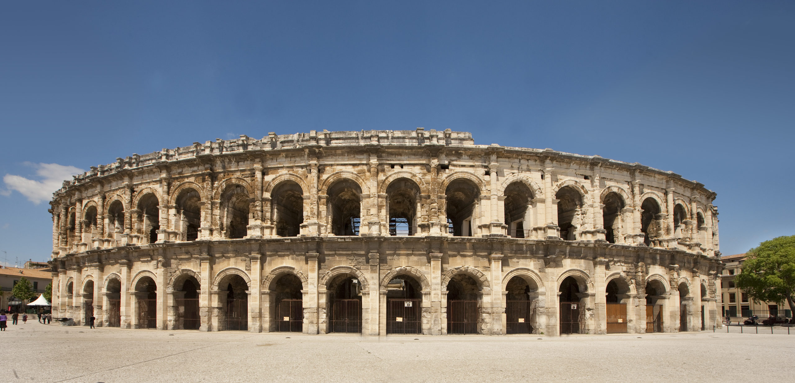 Roman Provence: Only in Provence - Part 6 - MyFrenchlife.org - Nimes