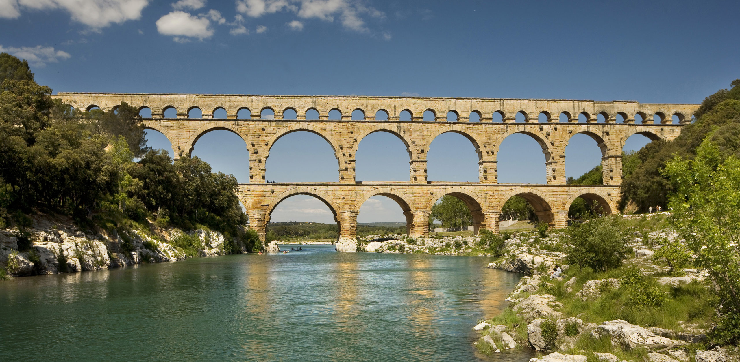 Roman Provence: Only in Provence - Part 6 - MyFrenchlife.org - Pont du Gard