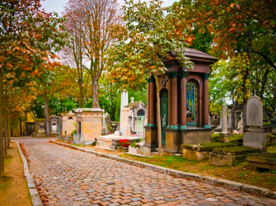 Interview: Jane S. Gabin - inquisitive observer & wanderer in Paris - Pere Lachaise