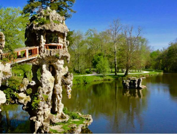 Biking in Bordeaux: COVID spurs urban greening