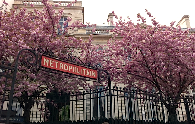 MyFrenchLife™ - Paris corner Saint-Georges - Metro - Paris off the beaten path
