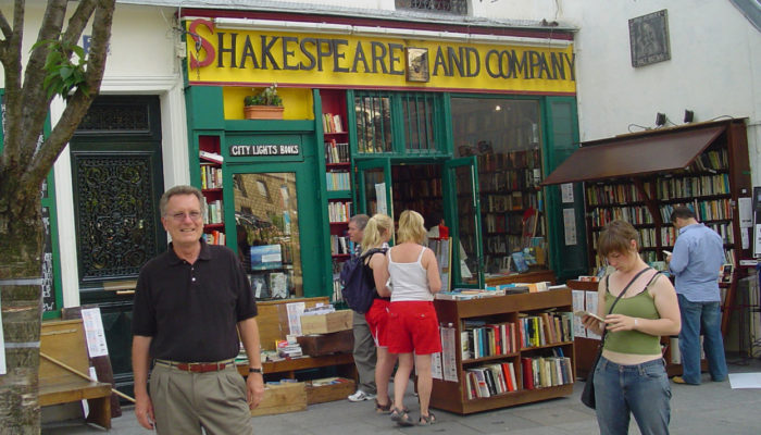 This image has an empty alt attribute; its file name is Shakespeare-and-Company-700x400.jpg