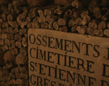 MyFrenchLife™ - learning French in Paris - catacombs