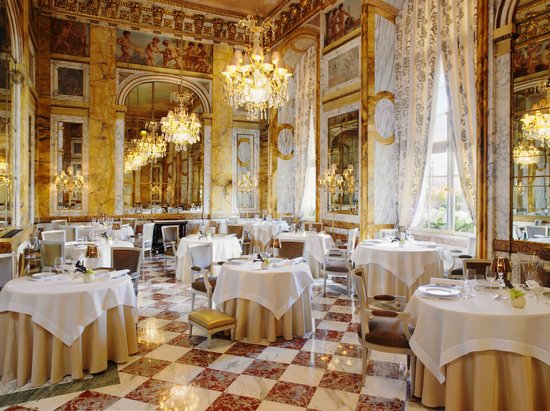 MyFrenchLife™ - MyFrenchLife.org - Parisian Hotels - Hotel de Crillon - Interior of the Crillon