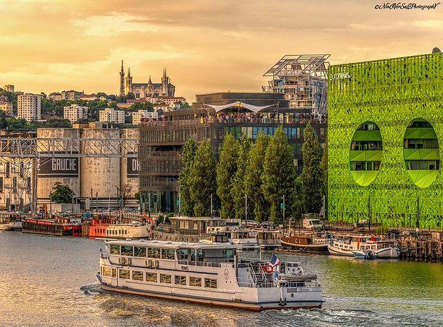 'MyFrenchLife™ 'MyFrenchLife™ - neighborhoods of Lyon - confluence