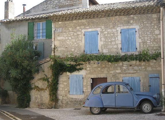 MyFrenchLife™ - Saint-Rémy de Provence - car